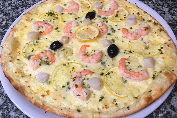 pizza aux noix de saint jacques le thor-pizzeria vaucluse